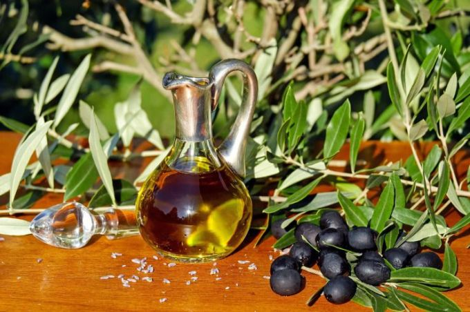 Acieite de oliva extra virgen.jpg